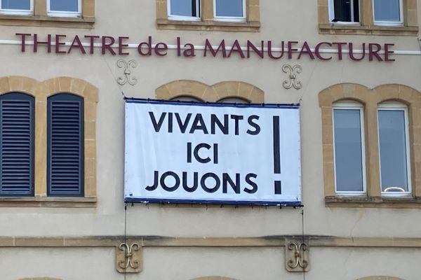 Théâtre de la Manufacture de Nancy occupé par les intermittents. 22 avril 2021