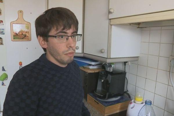 Quentin Guillemain, père de famille de Saint-Denis (Seine-Saint-Denis), va porter plainte ce lundi contre Lactalis.