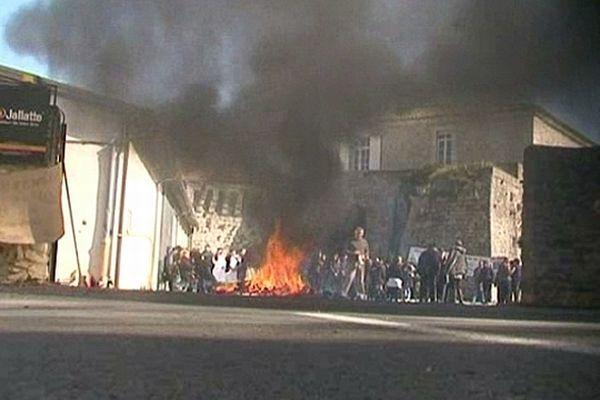 Saint-Hippolyte-du-Fort (Gard) - les salariés de Jallatte en grève illimitée - 27 février 2013.