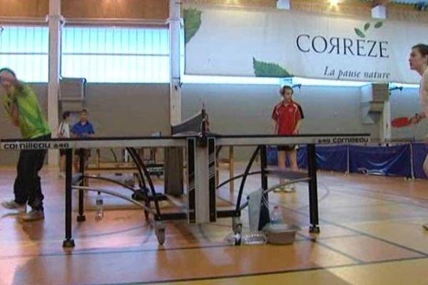 Compétition de tennis de table en Corrèze