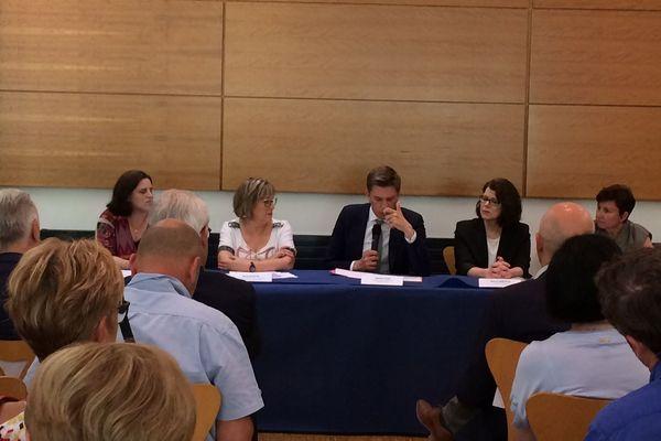 Réunion des principaux acteurs du secteur de l'aide à domicile au Conseil Départemental de Meurthe-et-Moselle pour lancer un cri d'alarme sur la situation qu' ils qualifient de dramatique