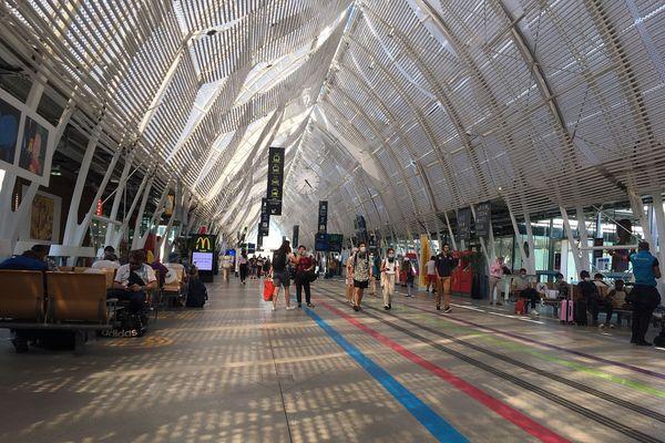 Fréquentation encore clairsemée, ce vendredi après-midi en gare de Montpellier Saint-Roch.