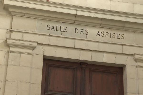 Près de cinq ans après le double meurtre en février 2016 dans le village de la Bastide-Clairence au Pays basque, le verdict est attendu ce samedi 28 novembre aux Assises de Pau.
