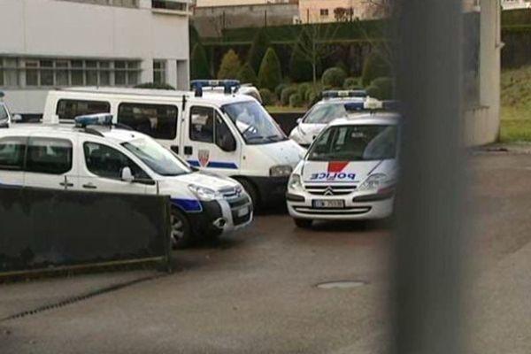 La police de Limoges a interpellé le jeune délinquant en début d'après-midi aux abords de la piscine où il se rendait
