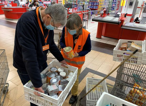 Les collectes de denrées alimentaires organisées par les associations de lutte contre la précarité, à la sortie des supermarchés ne sont pas rares...