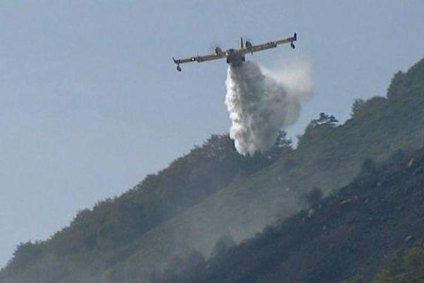 Ardèche: un incendie a nécessité l'intervention de sept canadairs le 26/09/2013