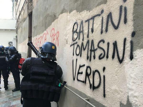Les forces de l'ordre se sont déployés dans le centre-ville de Bastia, le 15 octobre 2016.