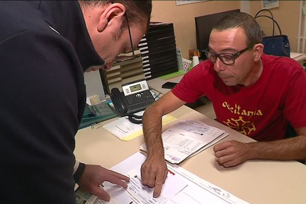 Les anciens salariés d'Arjowiggins ont reçu un chèque d'indemnité d'un montant de 10 000 euros en moyenne.