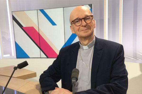 Monseigneur François Kalist, archevêque de Clermont, invité de Dimanche en Politique en Auvergne