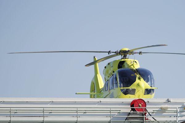 L'hélicoptère du SAMU06 se rend sur place à Sospel dans les Alpes-Maritimes
