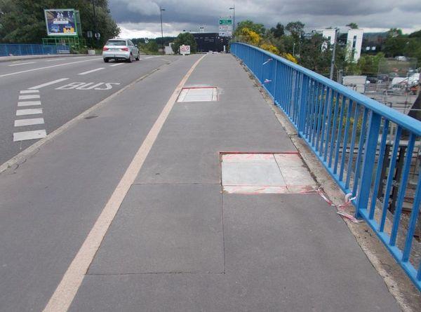 La circulation des véhicules sur le trottoir occasionne régulièrement des dégâts