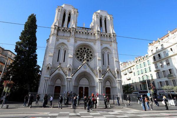 Dimanche 29 novembre, un mois après l'attaque au couteau qui a tué 3 personnes, les fidèles ont pu assister à une messe à la basilique Notre-Dame à Nice.