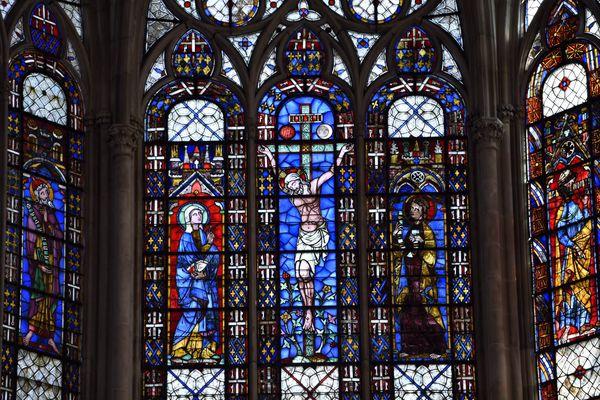 Les vitraux du choeur de la cathédrale Saint-Pierre-et-Saint-Paul de Troyes (17 mars 2016).