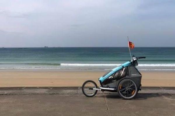 The cart, a companion on a 6000 km journey