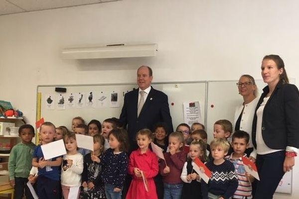 Albert II de Monaco a passé un temps avec les élèves de l'école maternelle Grace de Monaco de Valmont.