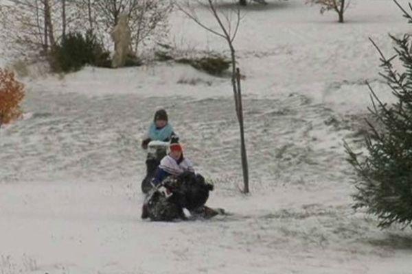 La neige fait la joie des plus jeunes
