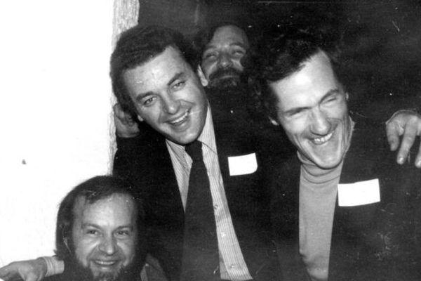 Jean-Yves Veillard à droite, avec Ronan Leprohon et l'écrivain Yann-Ber Piriou autres militants fondateurs de l'UDB