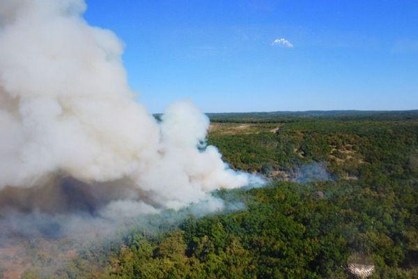 Le feu sur le camp de Caylus