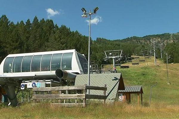 L'hiver dernier, les télésièges de Puyvalador sont restés à l'arrêt.