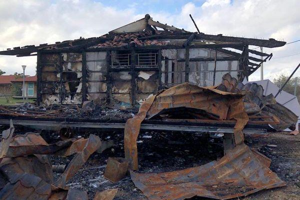 Huit compagnons étaient logés dans ce bâtiment d'Emmaüs en proie aux flammes début octobre - 17/10/19