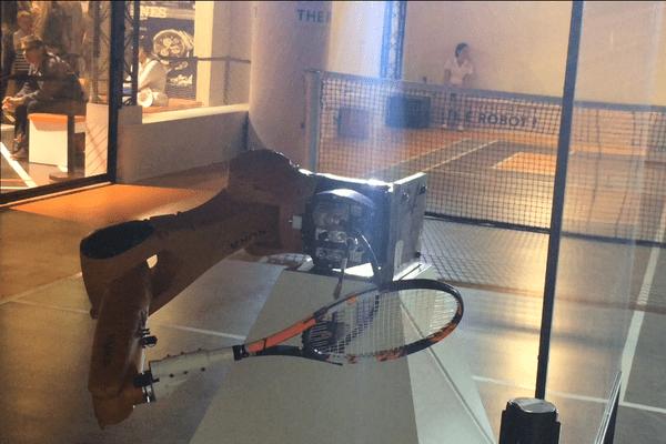 """Un bras robotisé, à Roland-Garros, en guise de """"sparring-partner"""" ? Peut-être un jour une réalité..."""