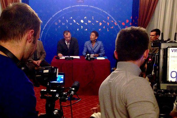 """Présentation de la commission gouvernementale d'experts sur les """"réunionnais de la Creuse"""" au ministères des Outre-Mers à Paris le 19-02-2016"""