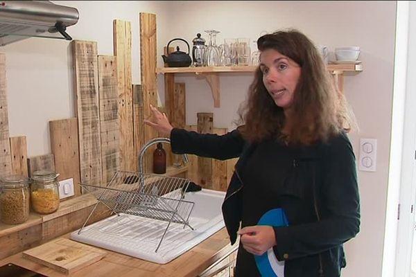 À La Rochelle, Lucille Blay s'est lancée dans le gîte écologique, où éponges jetables et sacs plastiques sont proscrits.