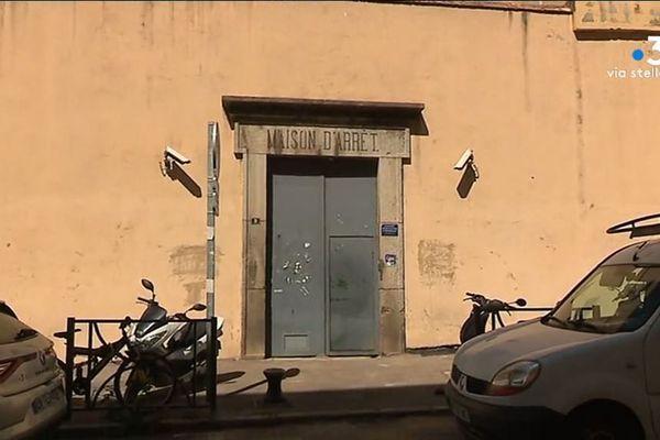 Antoine Pietri, détenu à la maison d'arrêt d'Ajaccio et en grève de la faim et de la soif depuis mercredi, a été transféré à l'hôpital.