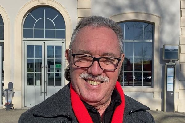 Candidat communiste (PC) à la mairie de Saint-Dizier