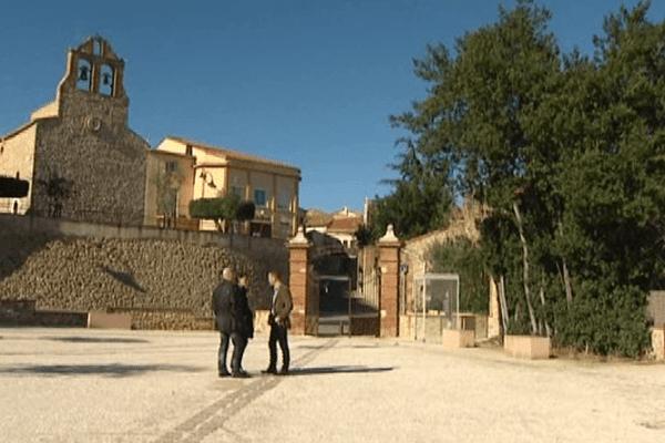 Tresserre (Pyrénées-Orientales) - Le Front National est de plus en plus présent dans les communes rurales - janvier 2014.