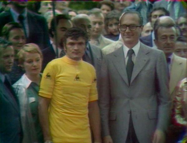 Bernard Thévenet remporte son second Tour de France en 1977.