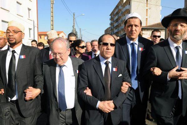 Gilles Bernheim, grand rabin de France, Hassen Chalghoumi imam de la mosquée de Drancy, Richard Prasquier President du CRIF, lors de la marche d'union et d'hommage aux victimes de Merah le 25 mars 2012