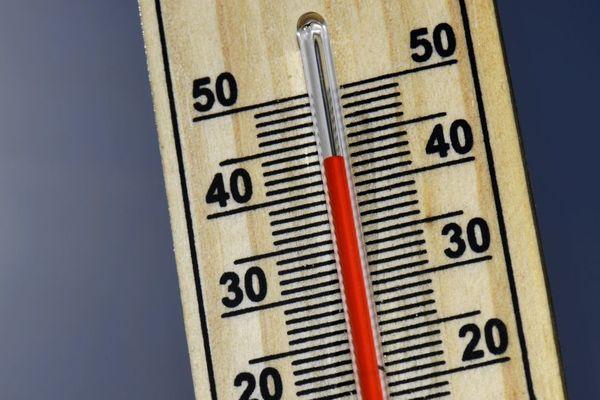Le record absolu de température a été battu à Paris : à 13h42 il a fait 41 degrés.
