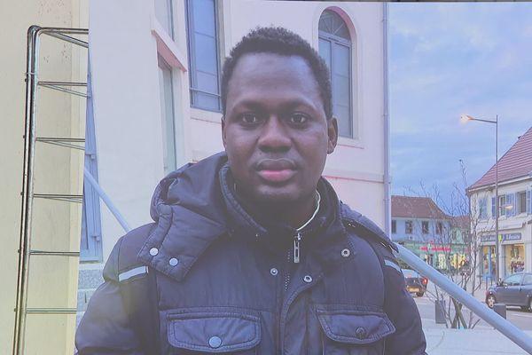 Abakar Gassama apprenti cuisinier menacé d'expulsion vers la Guinée.