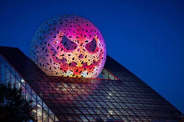 Le Futuroscope aux couleurs d'Halloween pour les vacances de la Toussaint 2018.