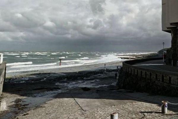 La plage de Plat-Gousset à Granville (Manche), archives