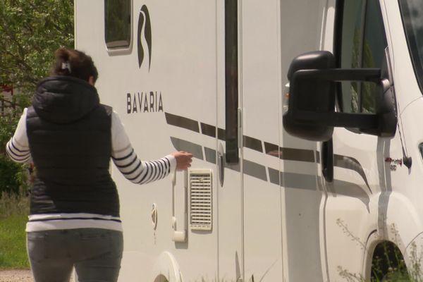Pour ce couple, cet été destination la Dordogne en camping-car.