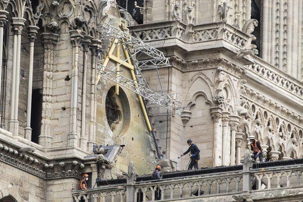 Notre Dame-de-Paris lors de sa reconstruction
