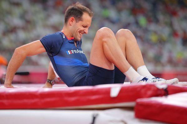 Renaud Lavillenie se blesse lors du concours olympique de la perche
