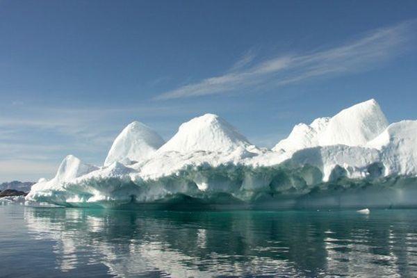 Côte est du Groenland, magie des icebergs en plein mois de juillet