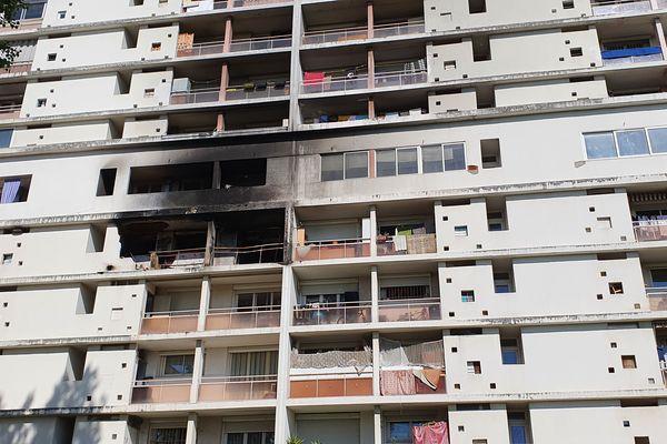 Une vingtaine de familles ont perdu leur logement dans l'incendie, impasse de Londres à Toulouse - 22 avril 2021.