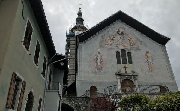 """L'église Notre-Dame-de-l'Assomption de Conflans à Albertville est classée """"monument historique""""."""