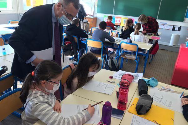 Cette école du Cher accueille 19 élèves en élémentaire et une dizaine en maternelle