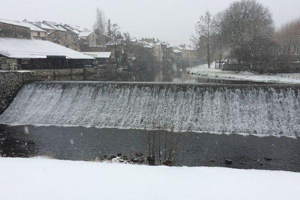 L'hiver va faire une réelle offensive mercredi 23 janvier avec de faibles températures et des chutes de neige annoncées en Auvergne-Rhône-Alpes