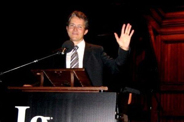 Laurent Bègue reçoit le Prix Ig Nobel en psychologie