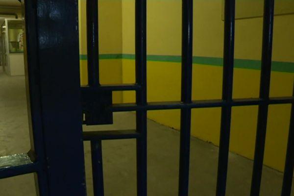 """Centre de détention """"Les Vignettes"""" de Val-de-Reuil (Eure) -  Archives"""
