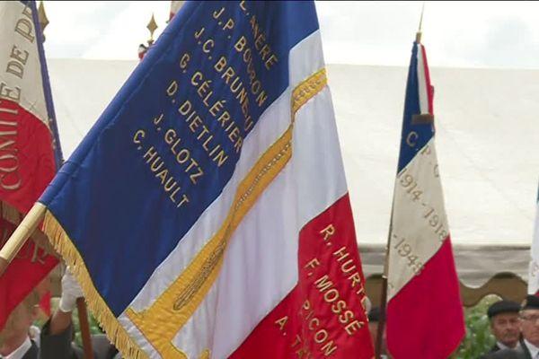 Le nom des 13 résistants massacrés le 14 juillet 1944 à Saucats, en Gironde a été inscrit sur le drapeau français.