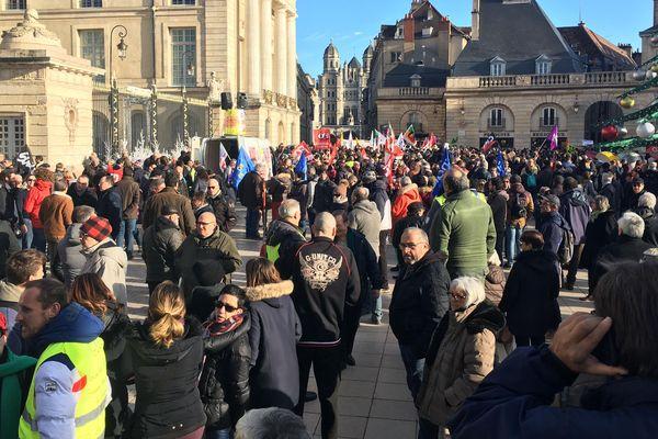 Les manifestants dijonnais se sont donné rendez-vous à 14 heures sur la place de la Libération.