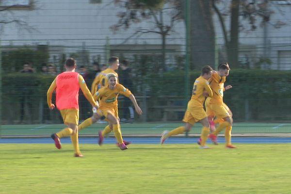 L'équipe de Montauban s'est imposée aux tirs aux buts (4 à 2) face à Aigues Mortes.