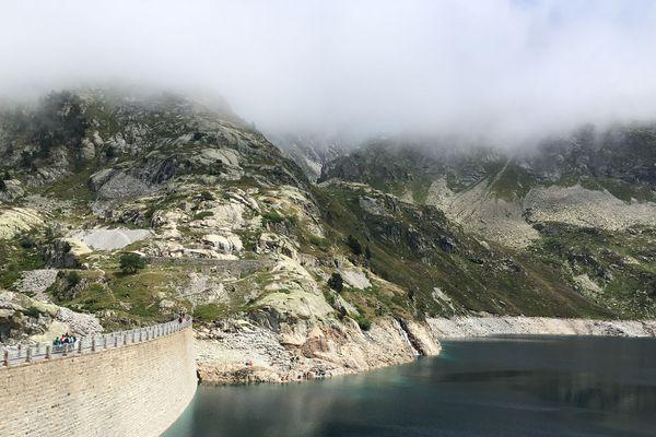 Le barrage d'Artouste a été construit dans les années 1920 à 2000 m d'altitude
